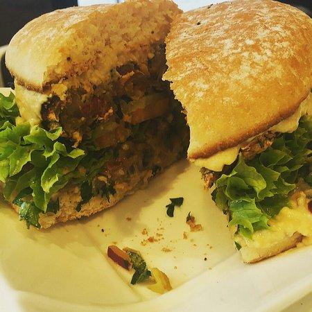Fresh Choice: Bombay vegan Burger