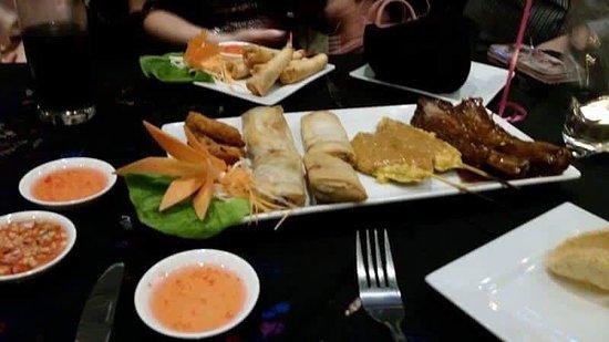 Γουίντνες, UK: Arroy Thai Restaurant