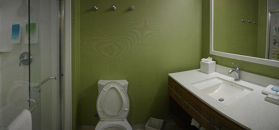 Southaven, MS: Bathroom