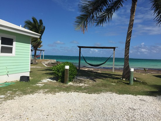 Marsh Harbour, Isola di Grand'Abaco: Beautiful holding spot waiting for our ship to sail! CLEAN, on beach, fresh new towels, linens!!