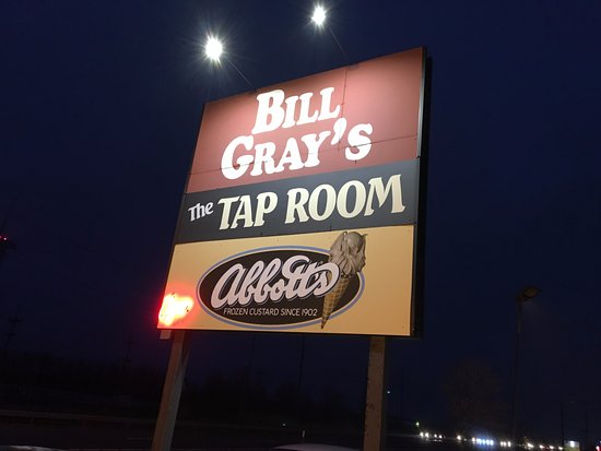 Ontario, Nowy Jork: Bill Gray's Tap Room - front sign
