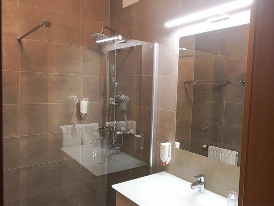 Thermenhotel Kurz: New bath room