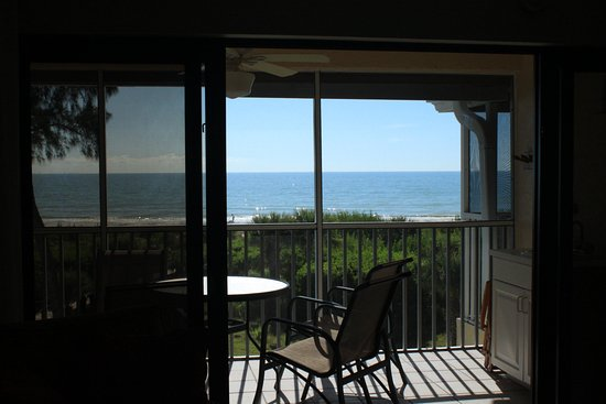 Tortuga Beach Club Resort: Top Unit Ocean Front Living Room Balcony View