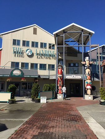 Port Angeles, WA: The Landing Mall