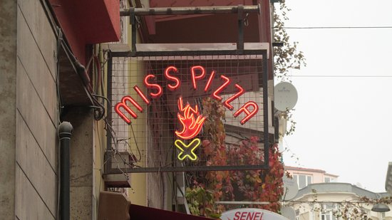 Miss Pizza : It serves more than pizza.