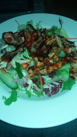 Stevenage, UK: Chicken & Bacon salad
