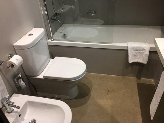Assago, Italia: bathroom