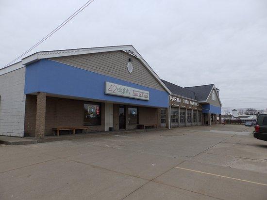 Brunswick, OH: Exterior