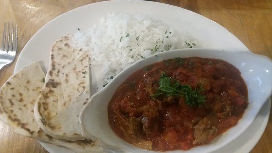Stevenage, UK: Curry - not huge, but did the trick!