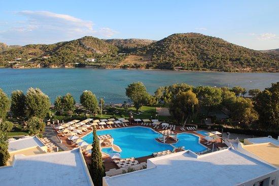 Mare Nostrum Thalasso Hotel: vu de la piscine et de la mer