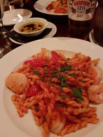 Andover, MA: Shrimp & Scallop Fra Diavolo