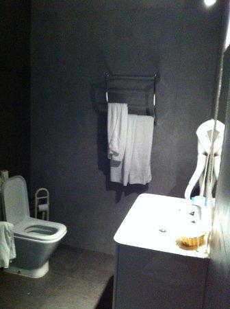Pensao Londres: salle de bains