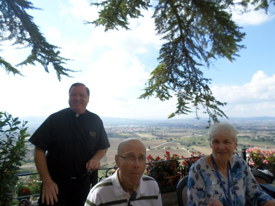 Ristorante Metastasio : Soaking in the afternoon view in Assisi