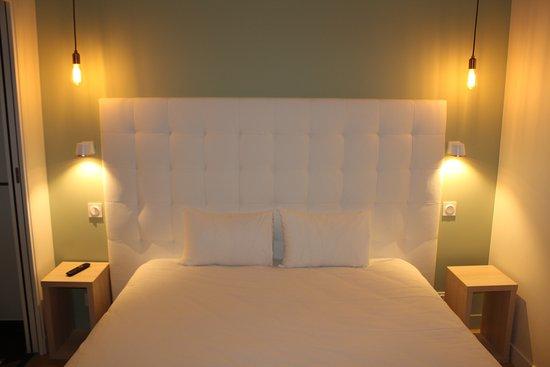 Chambre Double Standard - Picture of Hotel La Fontaine Caen Centre ...