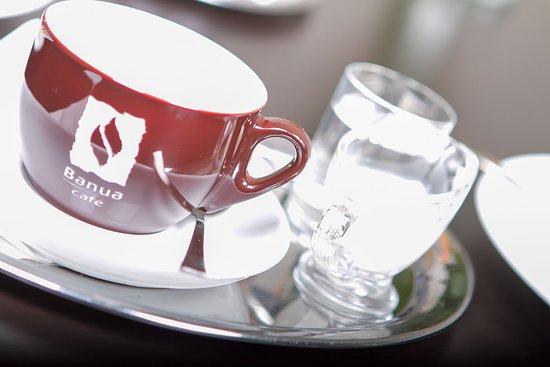 Znojmo, جمهورية التشيك: Výborná káva......