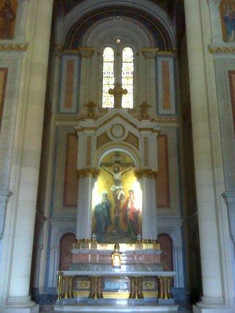 Panteón de la Condesa de la Vega del Pozo: Altar.