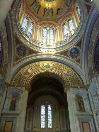 Panteón de la Condesa de la Vega del Pozo: Arco y cúpula.
