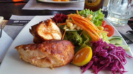 Swiss Bistro Banos : Pollo Cordon Blue