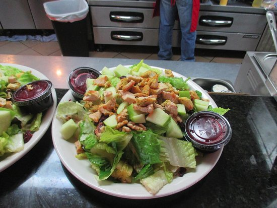 Brooklyn Center, MN: Chicken Ceasar Salad