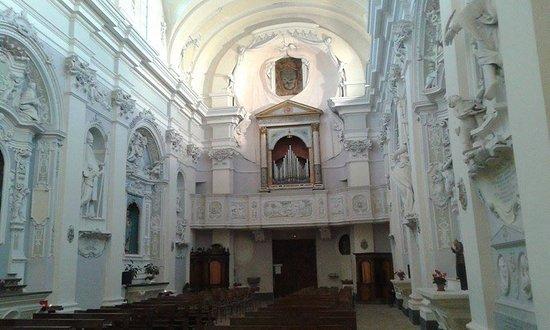 Arcevia, Italie : interno