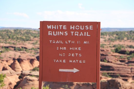 White House Ruins Trail: Trail sign