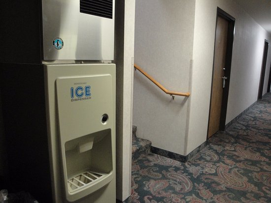 Silver Inn: first floor. Ice machine