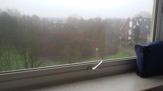 Hotel Deichgraf Cuxhaven: Undichtes Kippfenster
