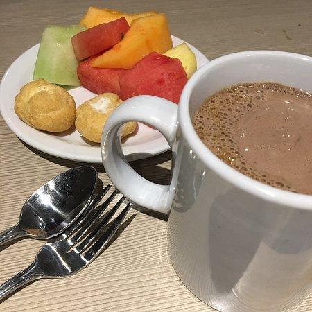 นิวเวสต์มินสเตอร์, แคนาดา: Dessert choice: Choco ice cream Coffee & fresh fruit