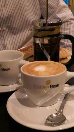 Golden Bean - The Coffee Experience : Cappuccino and mini-French Press