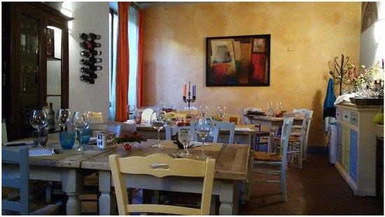 Castelmuzio, Italia: interno ristorante