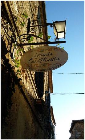 Castelmuzio, Italy: insegna del locale
