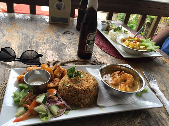 Serendib : Shrimp Curry with fried rice