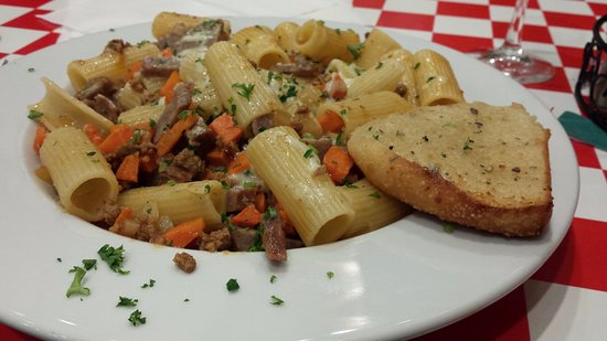 Chester, Мэриленд: Rigatoni with sausage and carrots