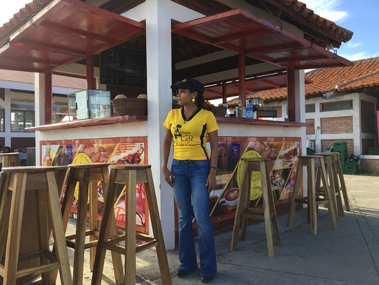 Rivas, Nicaragua: Samara opening up the business to serve fresh coffee and smoothies to customers