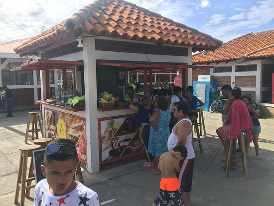 Rivas, Nicaragua: customers waiting for nicaraguas best fresh roasted coffee
