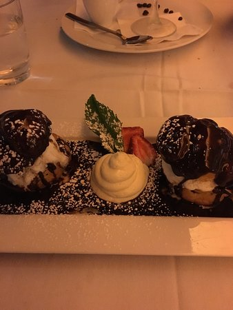 Hope Island, Australia: Lovely profiteroles