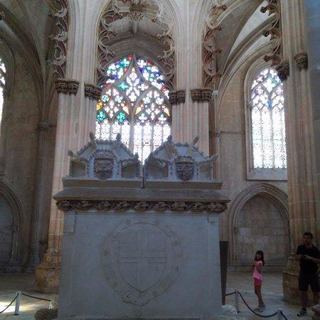 Batalha, Portugal: sepulturas