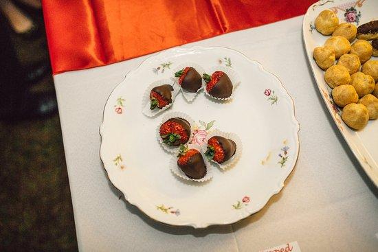 Fairlawn Inn: The desserts didn't last long....