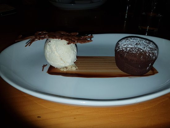 Petworth, UK: Chocolate fondant