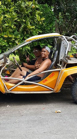 Muri, Cook Islands: fun in the sun