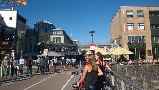 Max Euwe Centrum : Η πλατεία