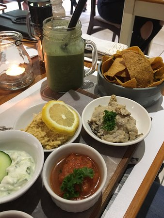 Nourish: Green smoothie