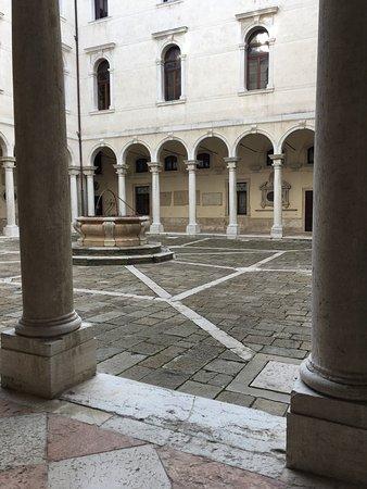 Pinacoteca Manfrediniana: photo3.jpg