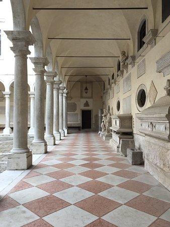 Pinacoteca Manfrediniana: photo5.jpg