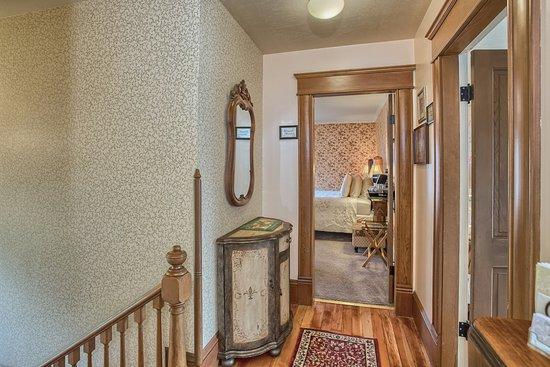 Abigail's Bed and Breakfast Inn: Abigail's First Floor Landing