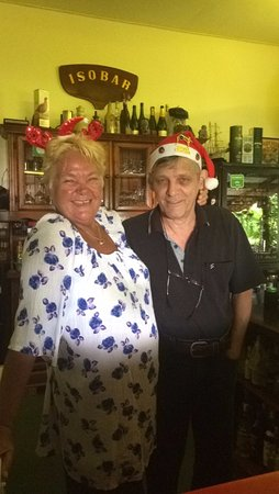 Kuala Teriang, Malaysia: The owners on christmas dressed up for the festivities! They made u feel so welcome!