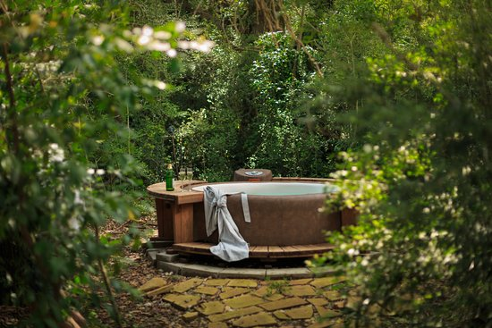 Cat Spring, TX: Private hot tubs on select houses!