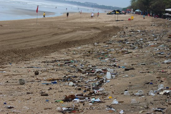 Bali Garden Beach Resort: Don't expect a clean beach at Kuta. Be adventurous and head north or south to another beach.