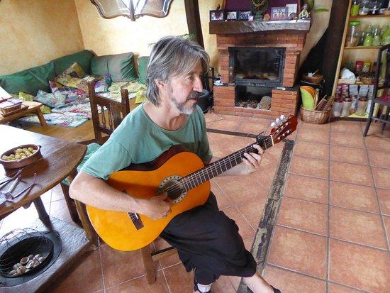 Hospital de Orbigo, Španielsko: Music before dinner