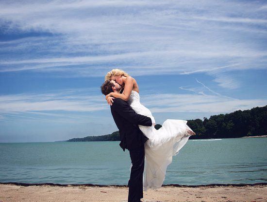 Westfield, NY: Romantic Elopements on Lake Erie!